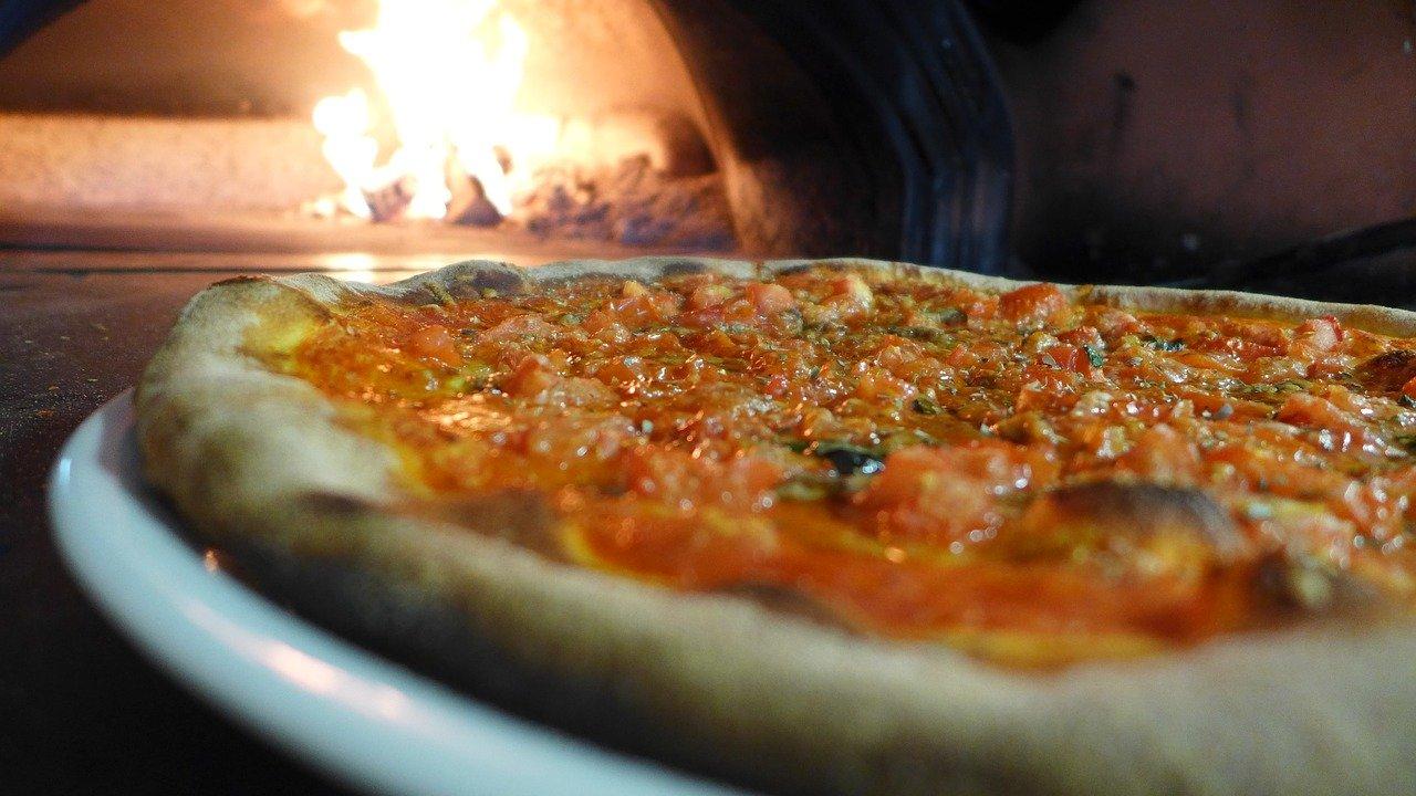 ואף מילה על האירוע שבו פיצה עם בשר קיבלה תג טבעוני?